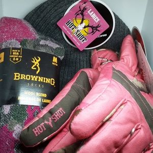 Realtree & Browning Pink camo hat socks, glove set